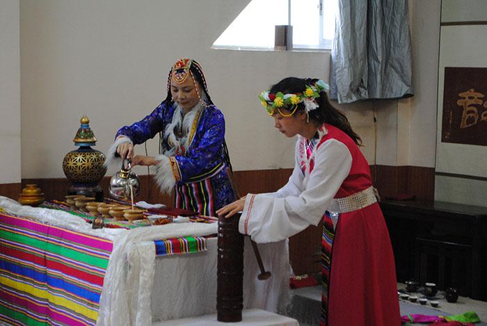28期 民族茶艺表演及六大茶类的冲泡技艺