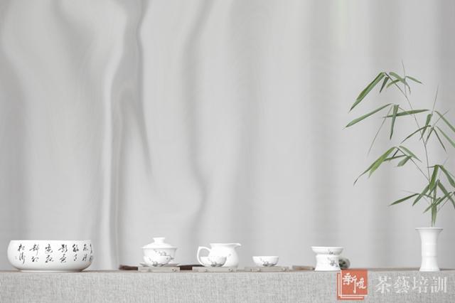 茶道美学     插花艺术,茶席设计     茶的养生保健功效 ▲高级茶艺